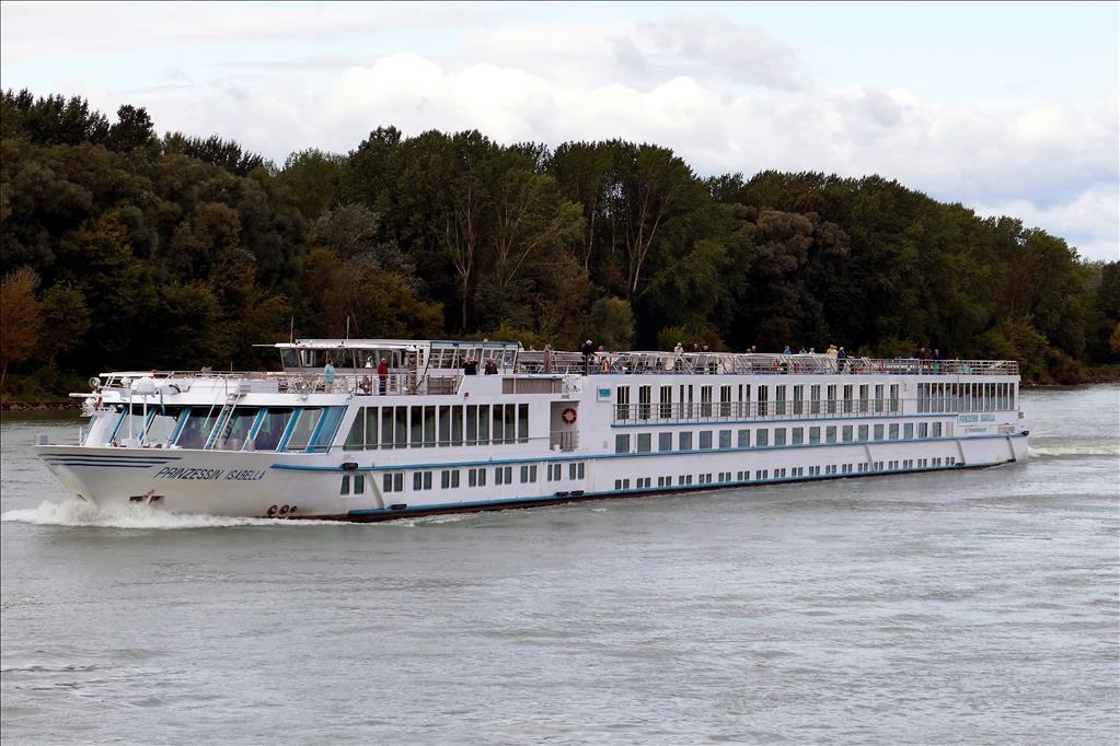 Prinzessin Isabella Vs Rhein Prinzessin Compare Cruise