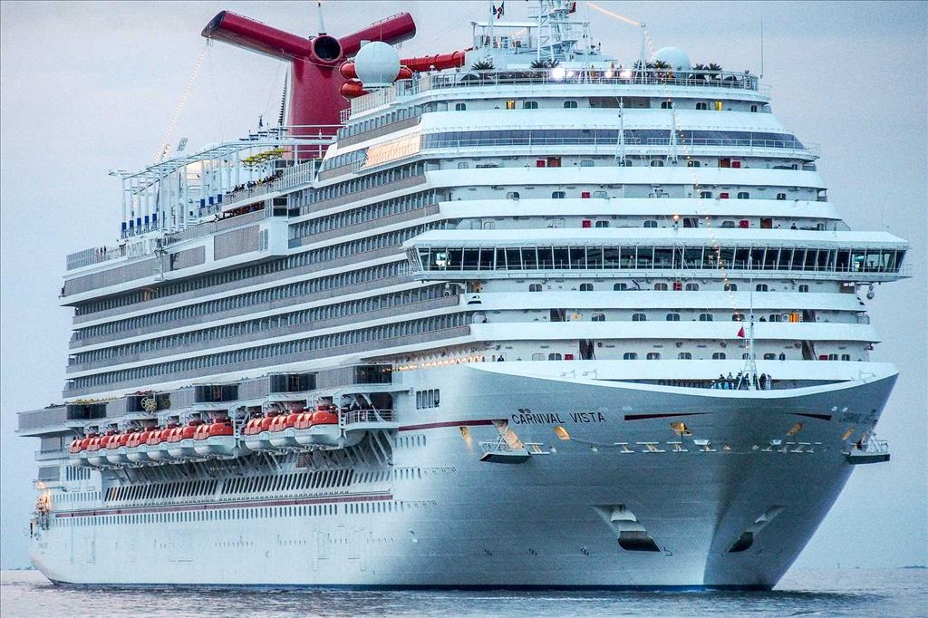 Carnival Breeze Vs Carnival Vista Compare Cruise