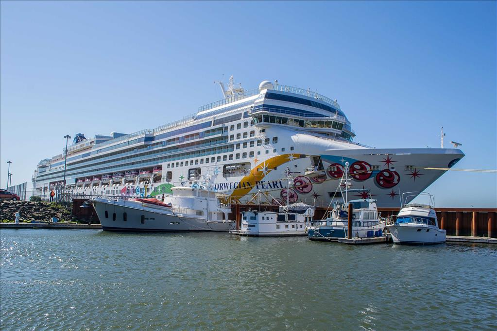 Norwegian Bliss Vs Norwegian Pearl Compare Cruise