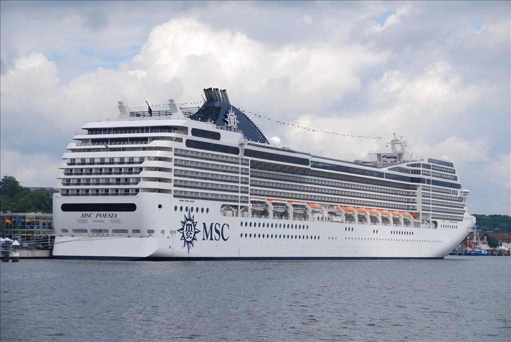 Msc Lirica Vs Msc Poesia Compare Cruise Amenities Food