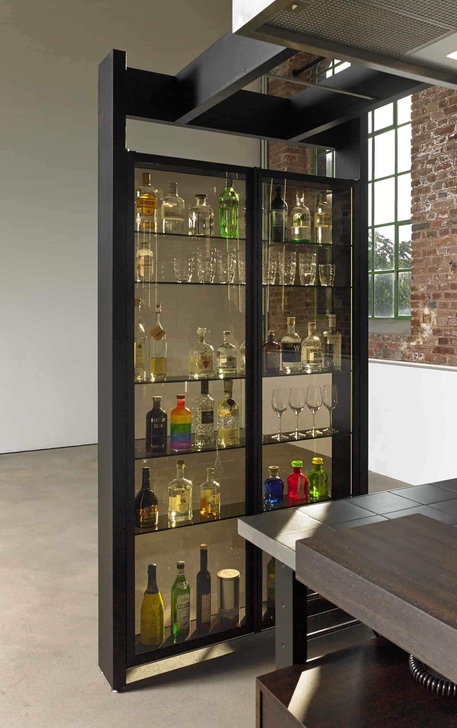 Works Bar Display case anodized aluminum black