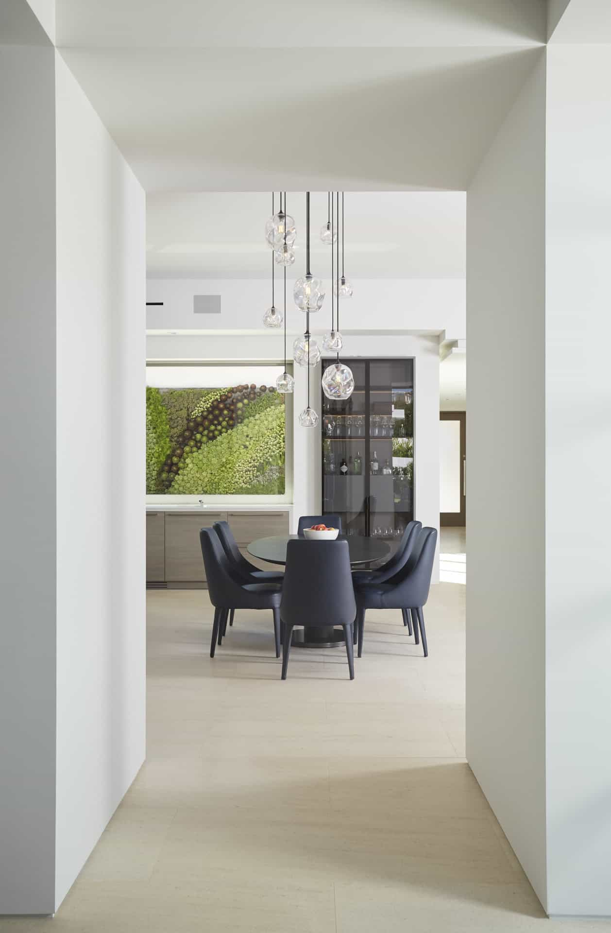 Elegant dining area in an eggersmann-built kitchen