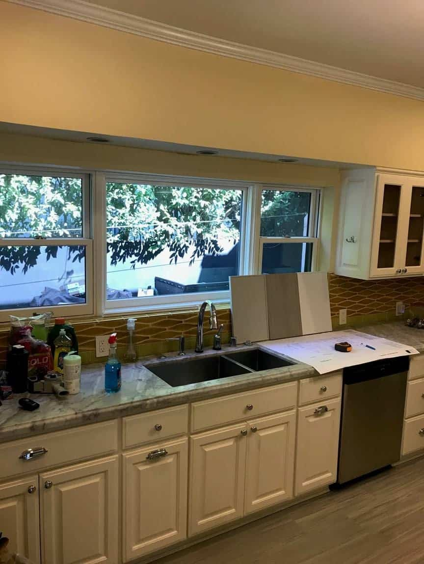 before picture of the sink and exterior window of a hancock park traditional home renovated with an eggersmann kitchen