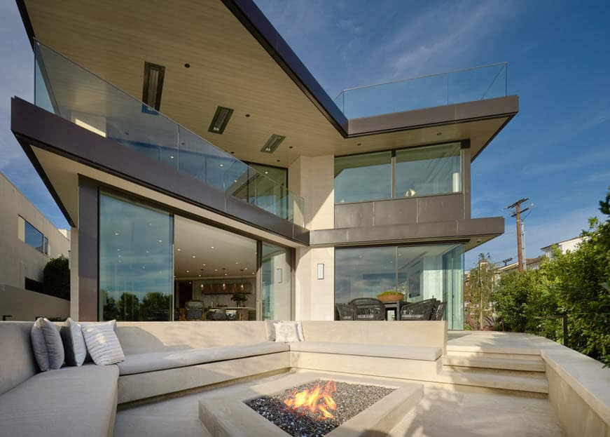 $25 million beachfront modern mansion in corona del mar in newport beach californai
