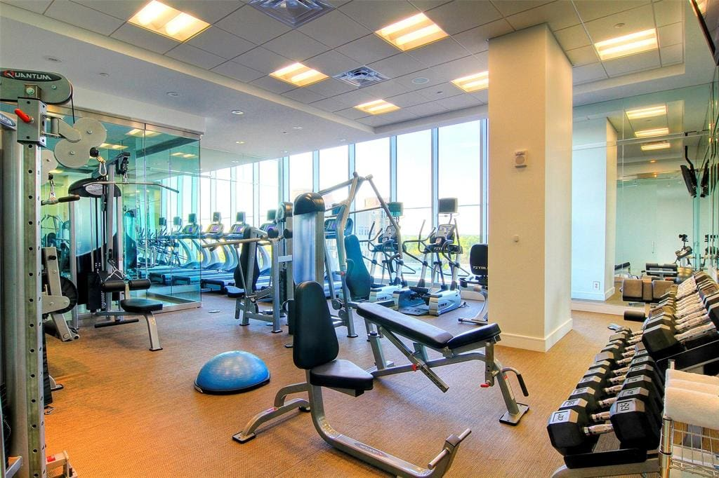 fitness center for residents of 2727 kirby luxury high rise in houston