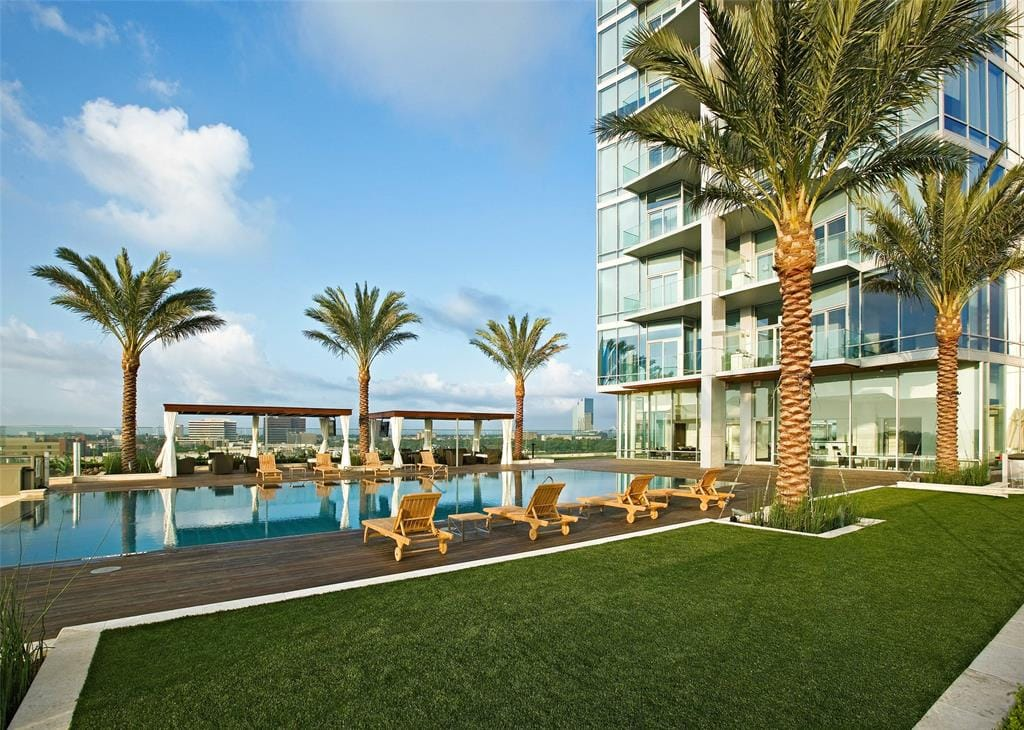 pool for residents of 2727 kirby luxury high rise in houston