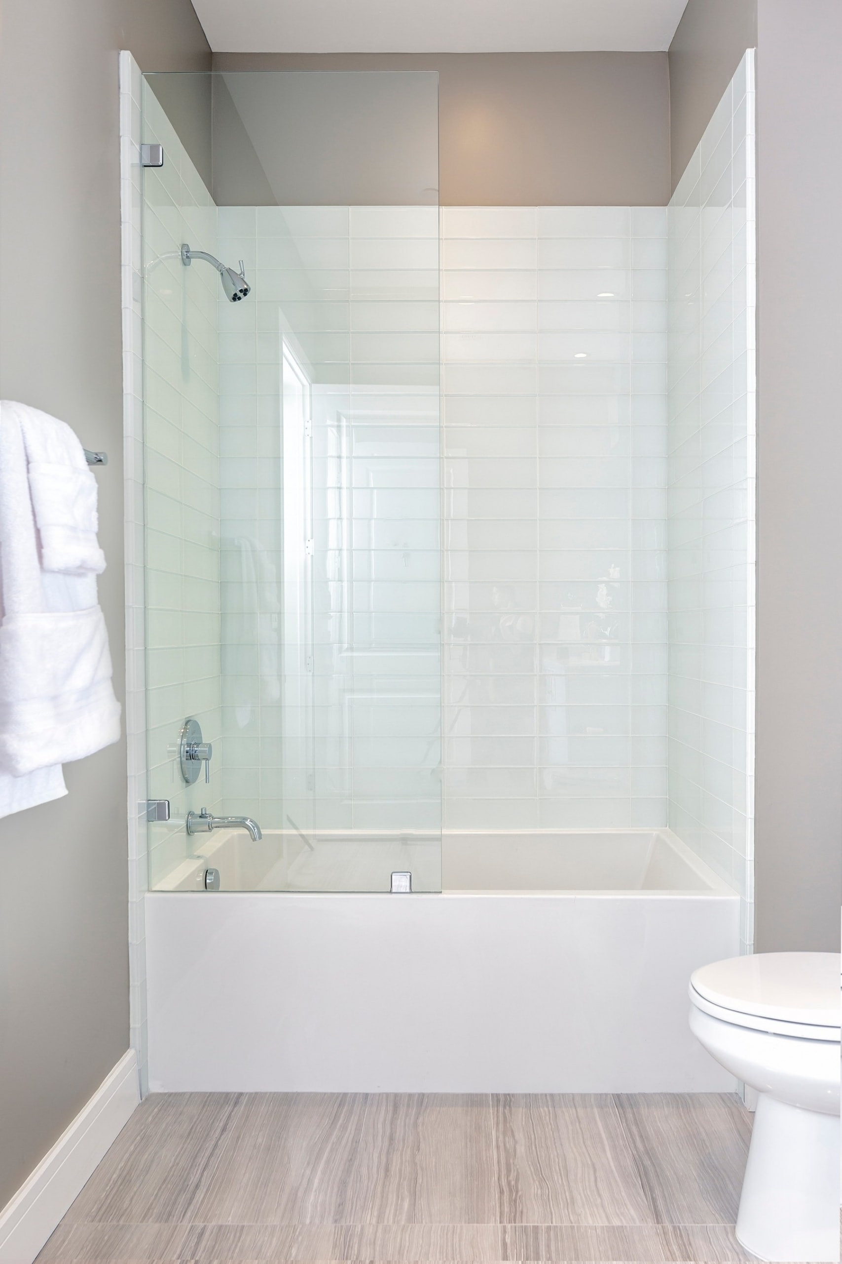 bath tub and shower combo in the model unit of arabella luxury condos in houston