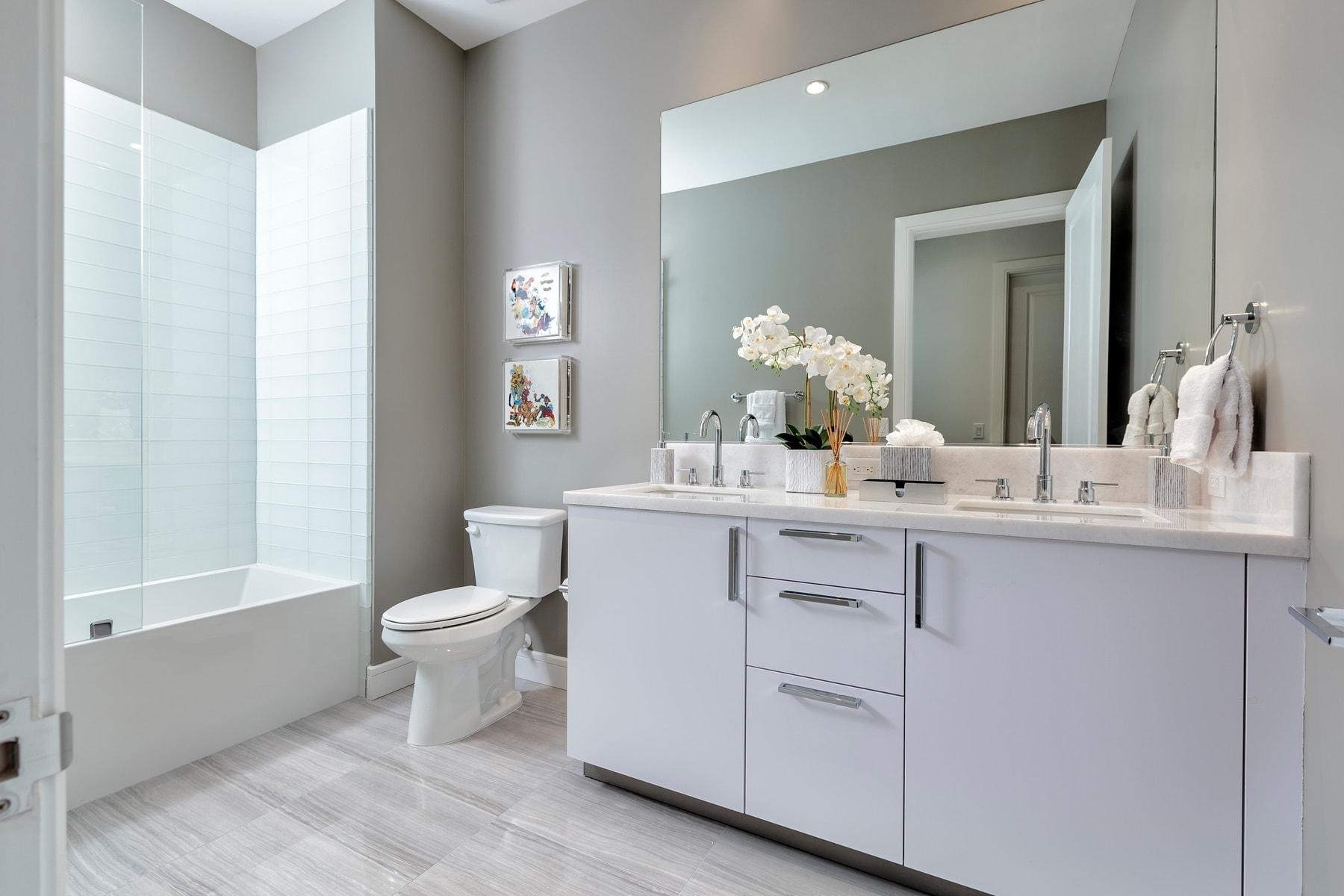 guest bath of the model unit of arabella luxury condos in houston