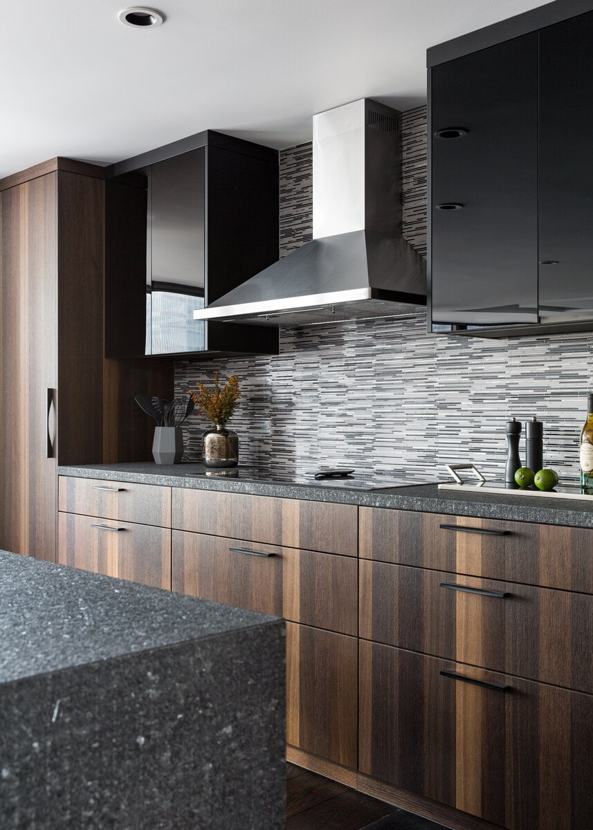 Perfectly Matched Vertical Grain on Cabinet Fronts