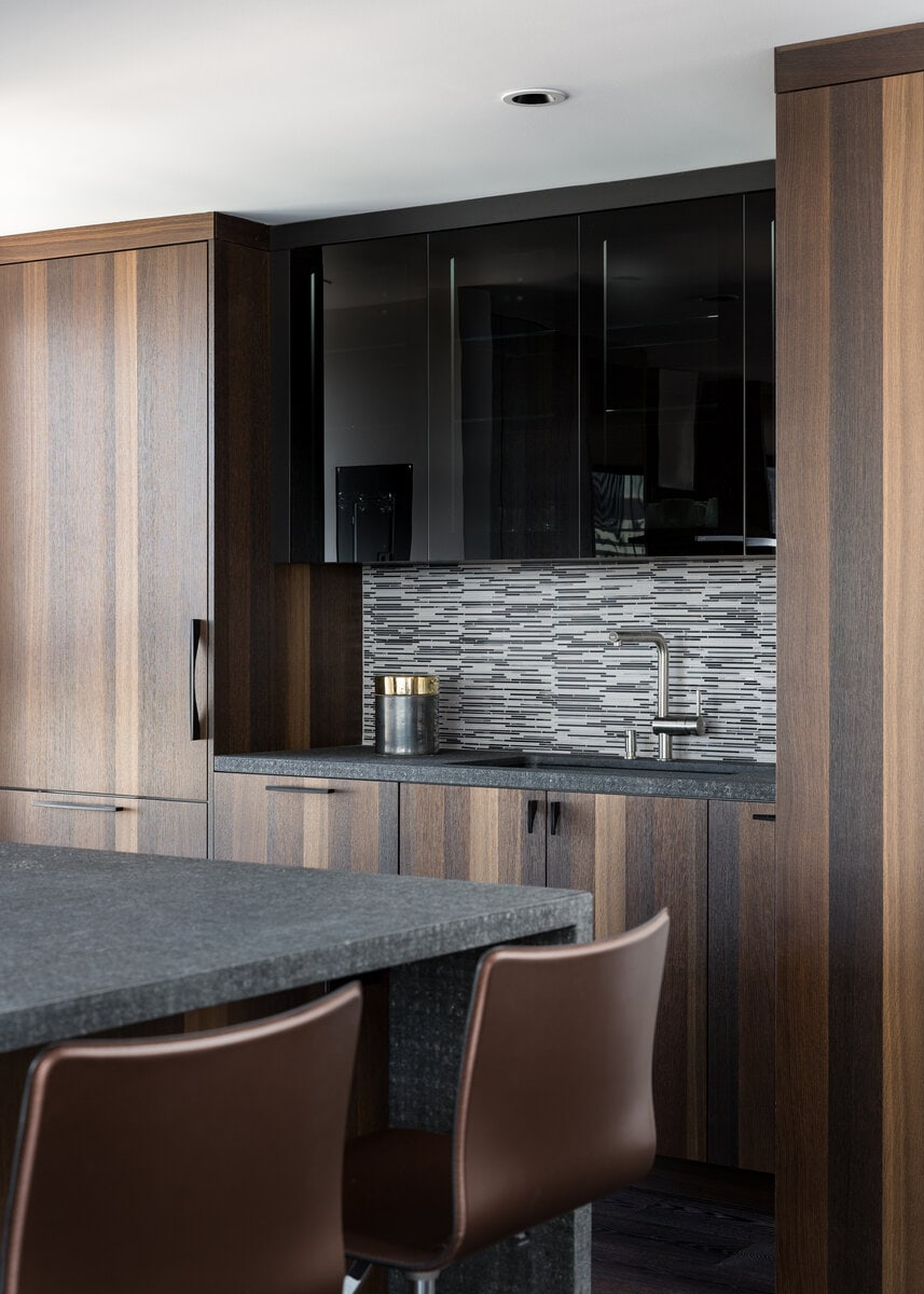 Vertical-Grained Vancouver Smoked Oak Accented By Vetro Black Glass