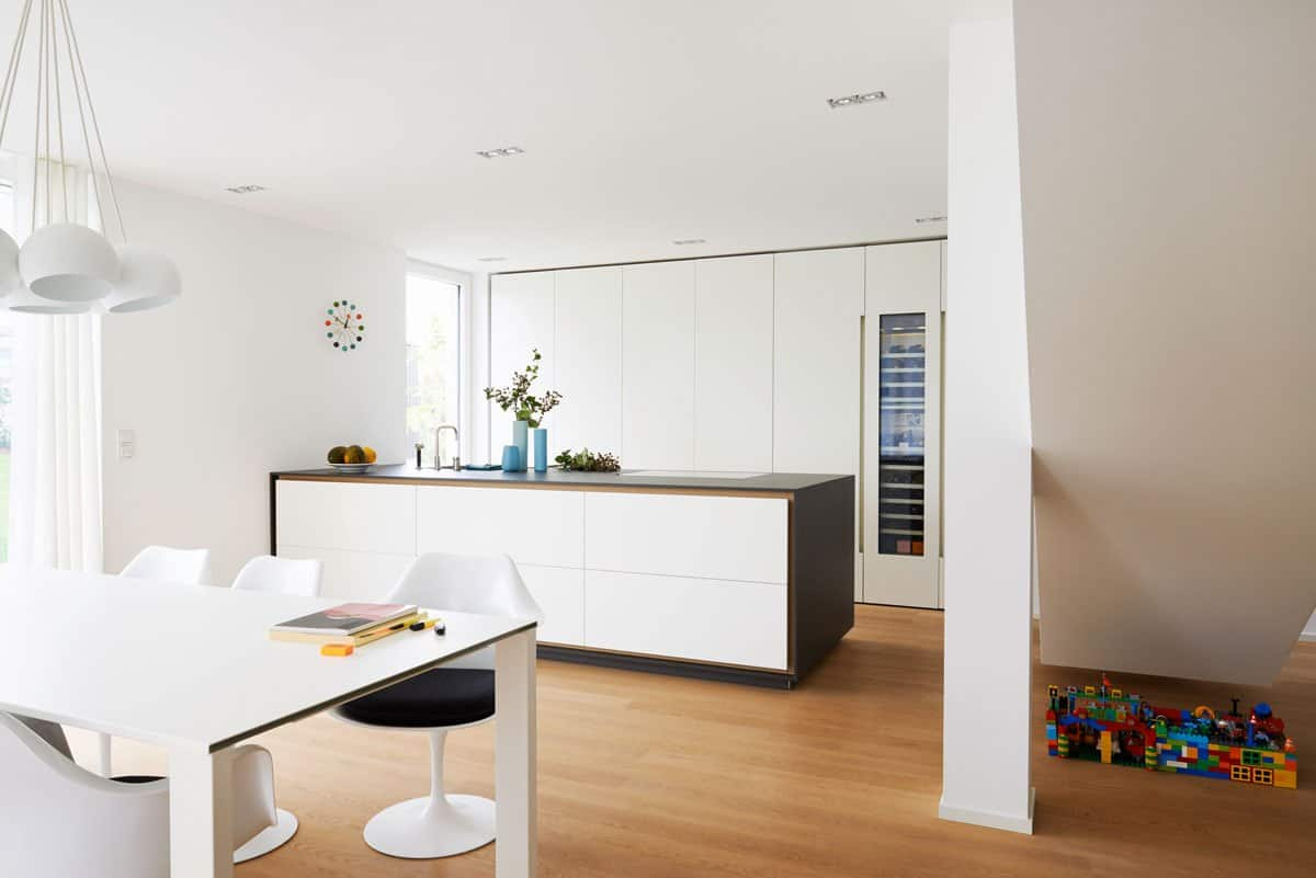 eggersmann designed office credenza in Matte White