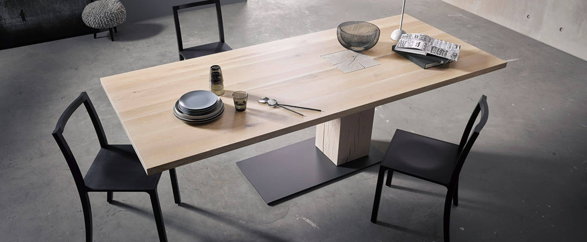 KFF asymetric table