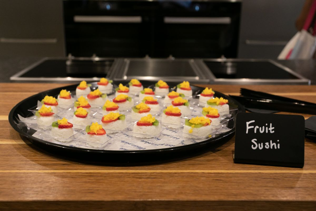 fruit sushi served in eggersmann chicago showroom during the rndd gallery walk fall 2021
