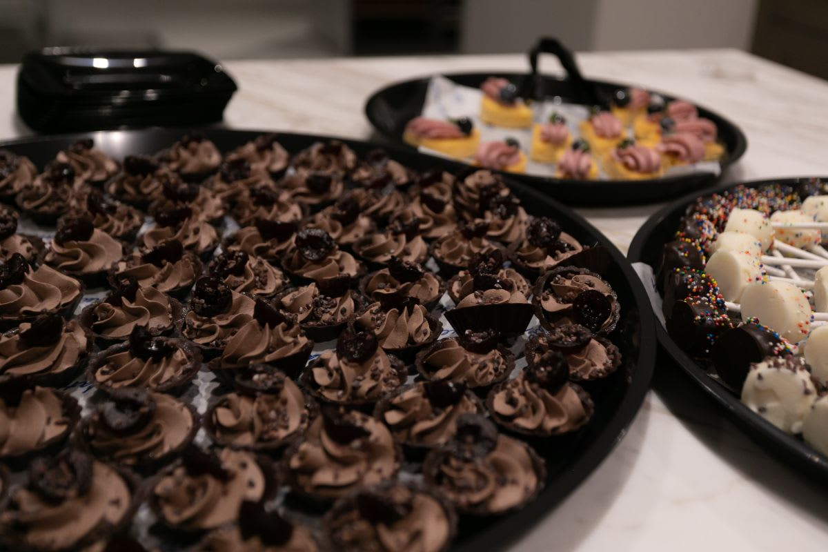bite-sized desserts served in eggersmann chicago showroom during the rndd gallery walk fall 2021