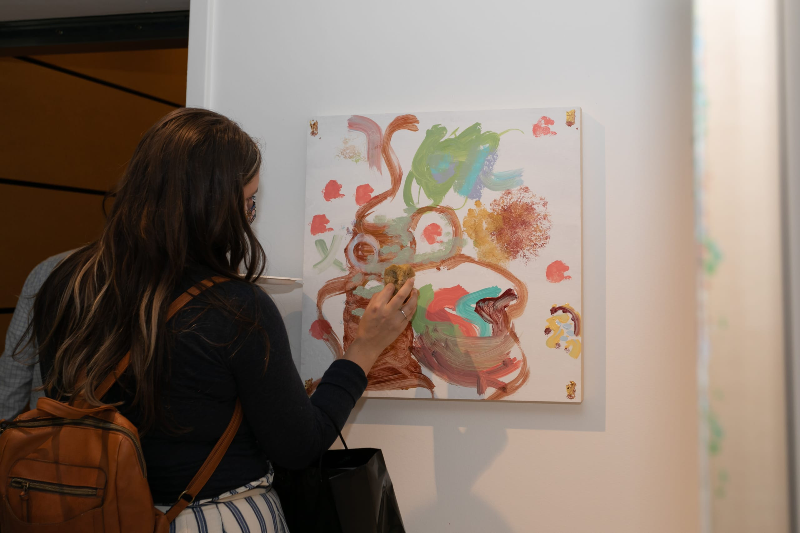 coral sponge painting completed by attendees in the eggersmann chicago showroom at the rndd gallery walk fall 2021