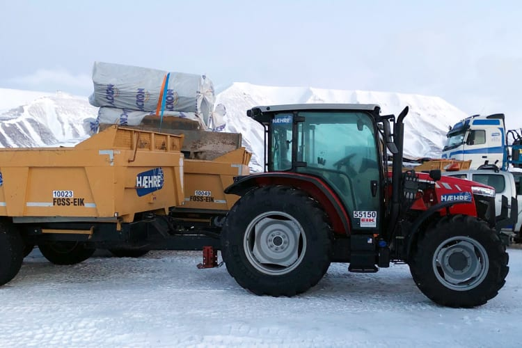Bruker Massey Ferguson på Svalbard