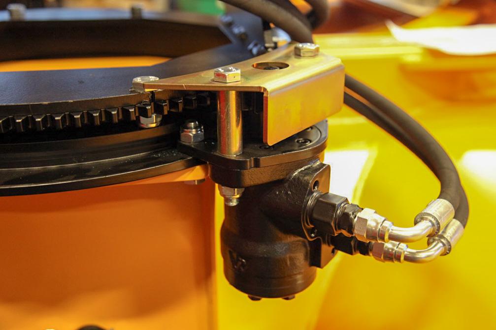 Vær forsiktig med bruk av høytrykksspyler mot hydrauliske motorer.