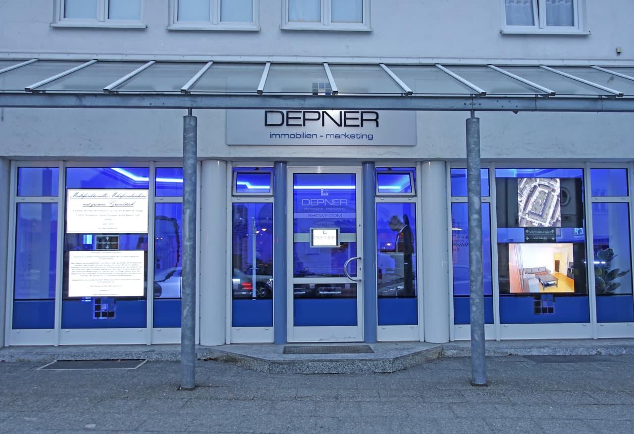 Die Schaufensterfront unseres Show-Room´s in der Jahnstraße 2.