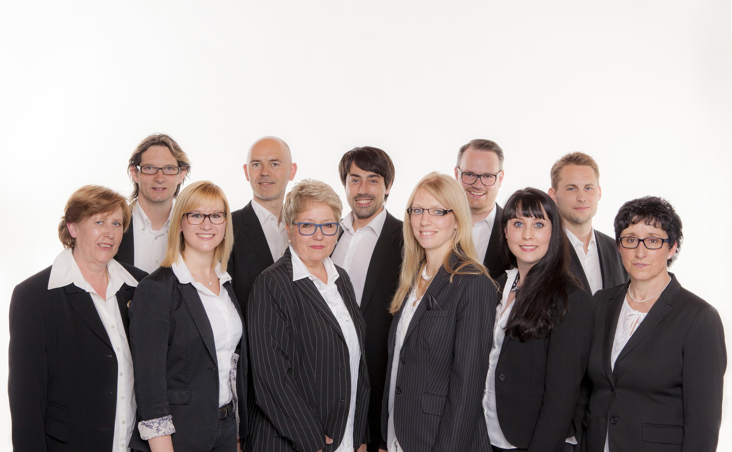 Unsere Mitarbeiter beraten Sie gerne rund um alle Themen wie Verkauf, Vermietung, Neubau und Kapitalanlage