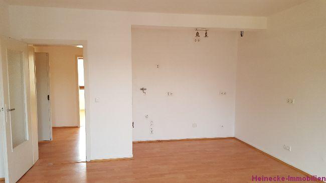 Süsse 2 Zimmer Eigentumswohnung mit 50,75m² Wohnfläche, 3.OG in ruhigem Haus. Kaufpreis 55.825,00€