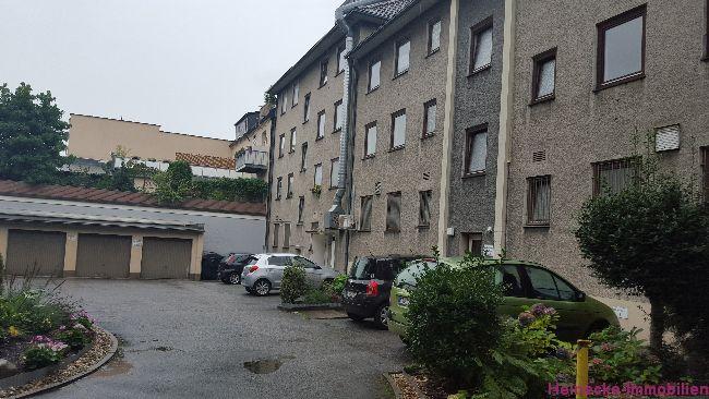 8 Eigentumswohnungen (2-3 Zimmer) inkl. 3 Garagen in Essen-Schonnebeck zu verkaufen. Gesamtwohnfläche 475,32m², gesamte Grundstücksfläche  1.682m², Mieteinnahmen 47.772,00€ p.A (brutto) Kaufpreis 546.852€