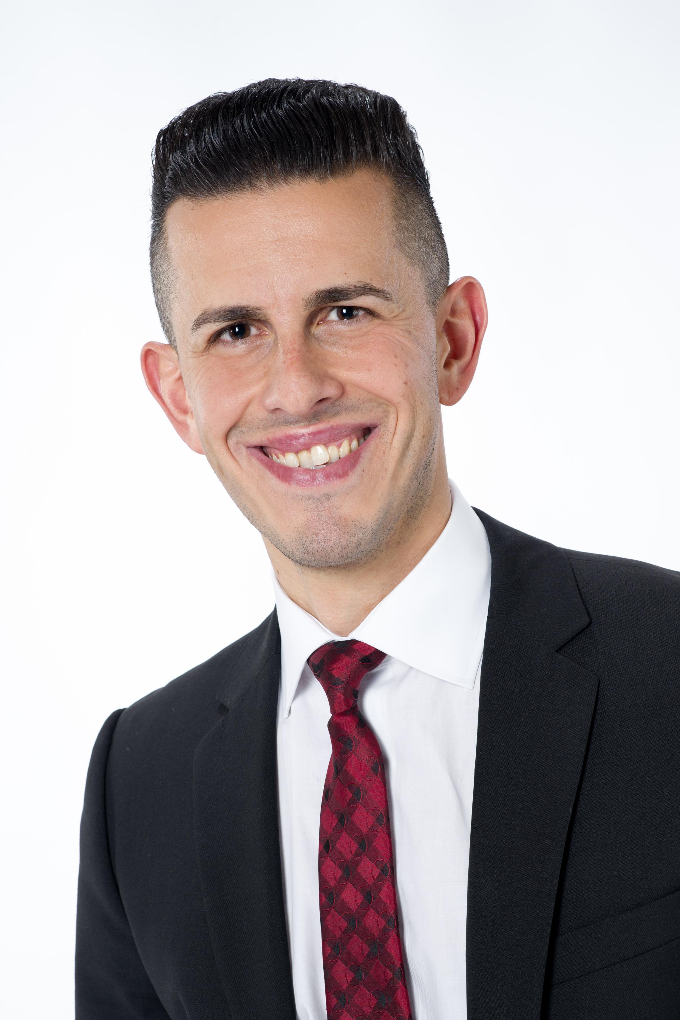 Herr Schneider-Kücükay  Geschäftsleitung  Immobilienverkauf