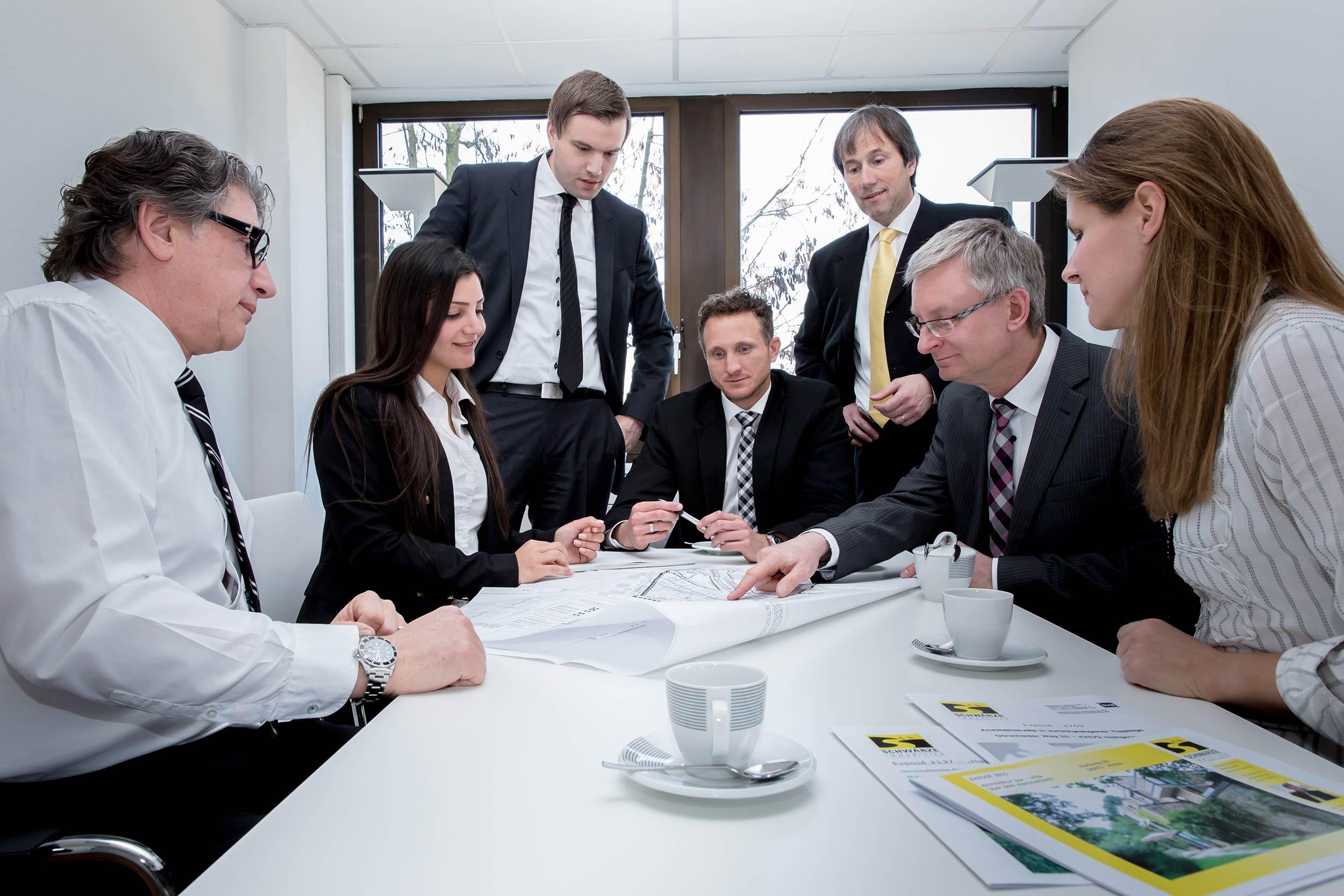 Wir sind ein Team von Immobilienspezialisten mit mehr als zwanzig Jahren Erfahrung.