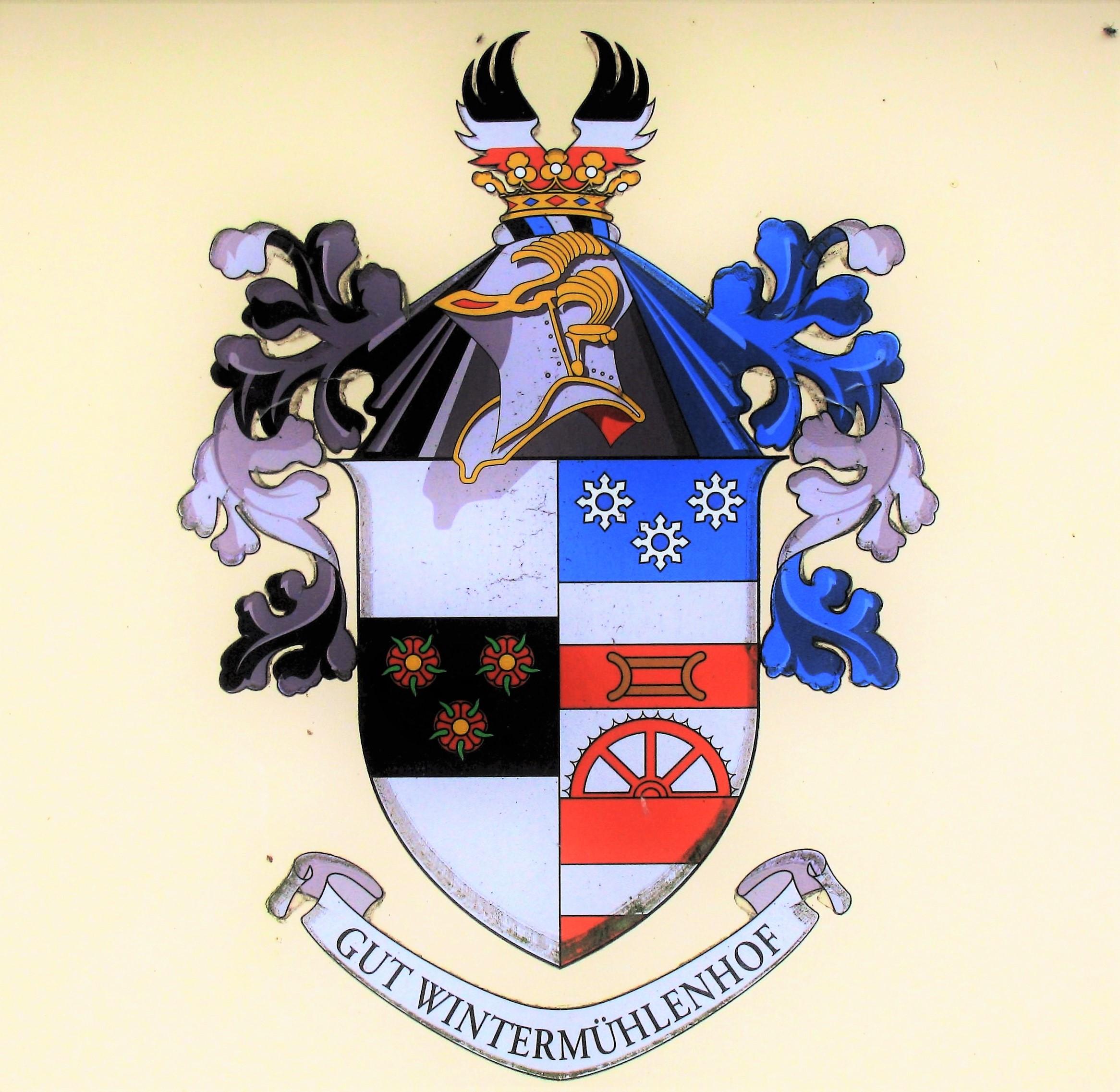 Hier sehen Sie das Logo von Regina Höppner Makler für Immobilien und Versicherungen