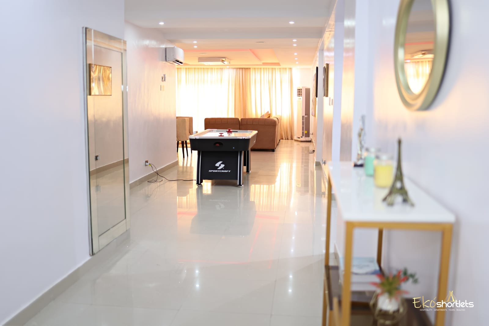 3 Bedroom - Water front - Toyosi
