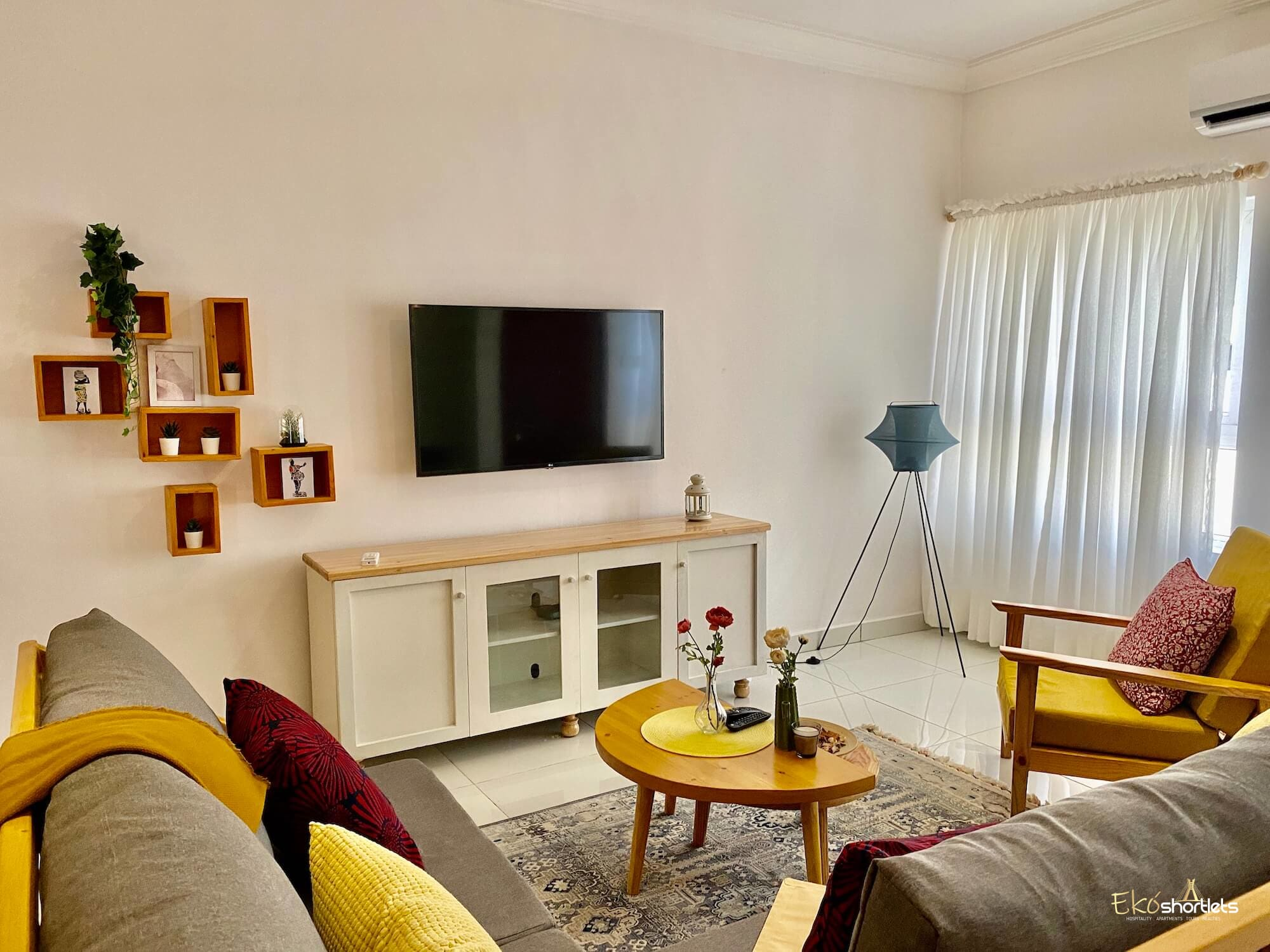 2 Bedroom Flat - Evelyn