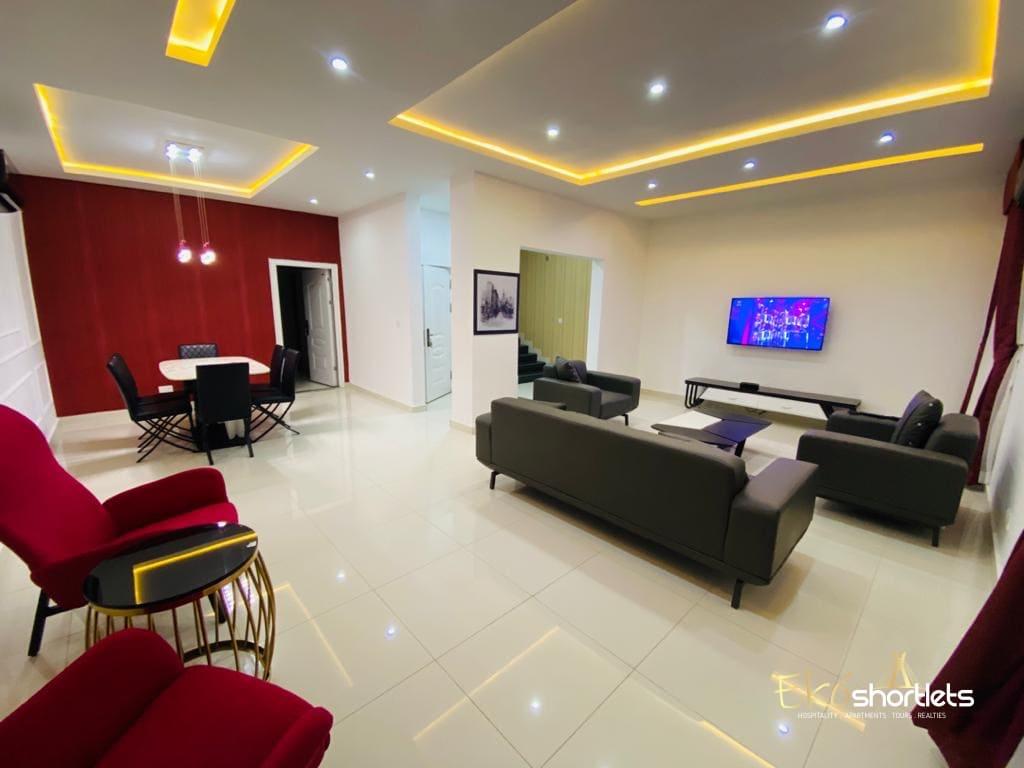 4 Bedroom Luxury Flat (The Red)