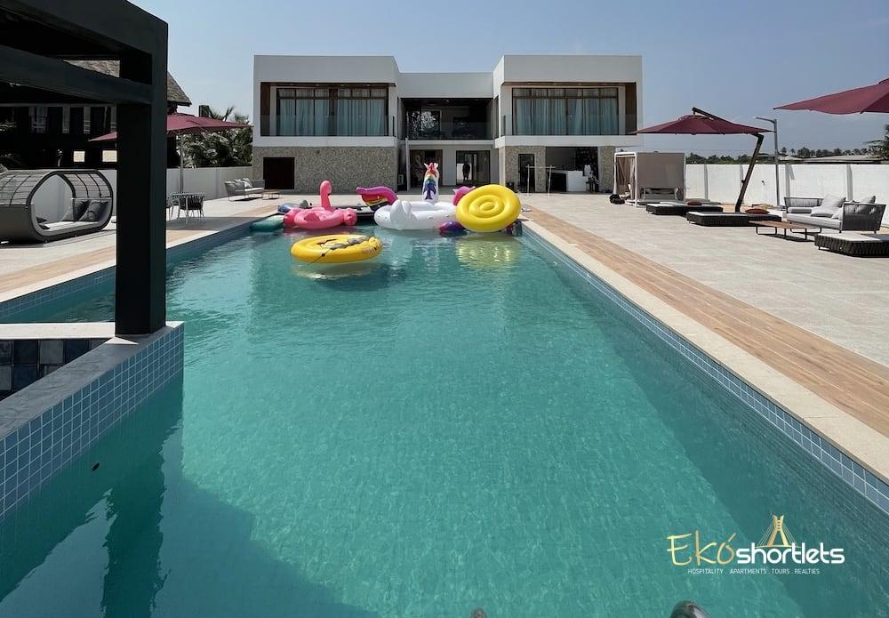 4 Bedroom Beach House - PV - Oceanfront