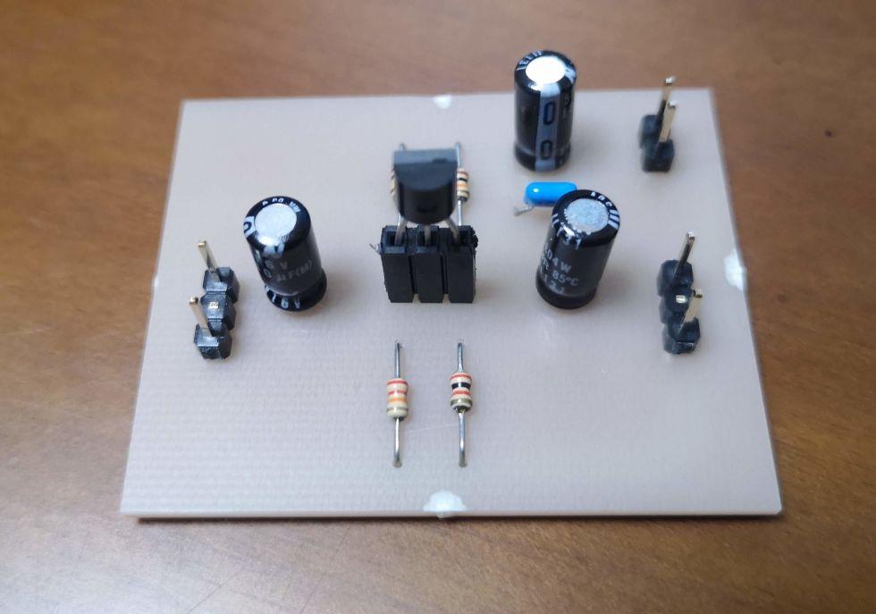 エミッタ接地増幅回路の基板製作