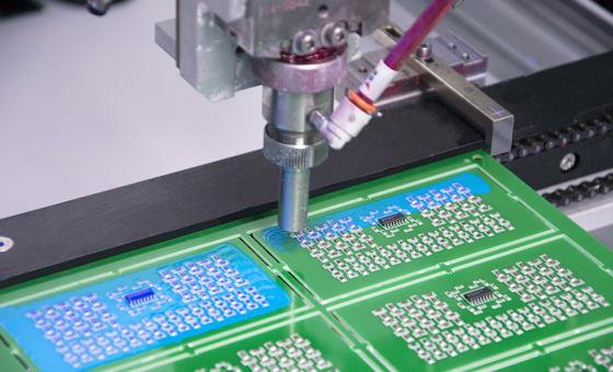 UV-härtende Schutzlacke der nächsten Generation für höhere Leistung und Beschleunigung der Produktion featured image