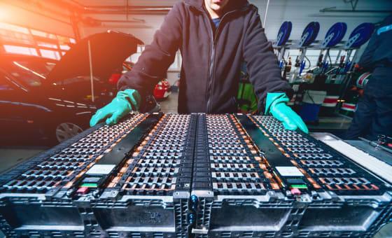 亚博平台APPElectrolube的UVCL涂层增加了电动车辆管理系统特色图像的耐久性