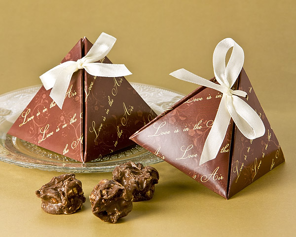 Love Is In The Air Pyramid Favor Box 24 Pack