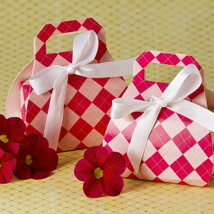 Perfectly Plaid Pink Purse Favor Box 24 Pack