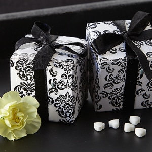 Classic Damask Favor Box In Black & White 24 Pack