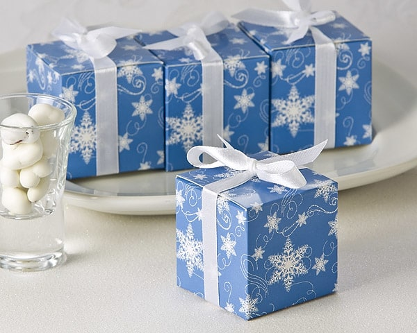 Winter Wishes Snowflake Favor Box 24 Pack