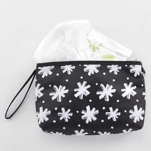 BA29001BW-Baby Aspen 360 Signature Diaper Bag--Black And White Floral-