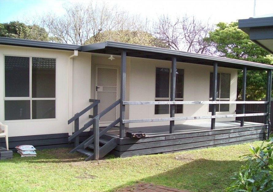 spacious 2 bedroom granny pods with verandah