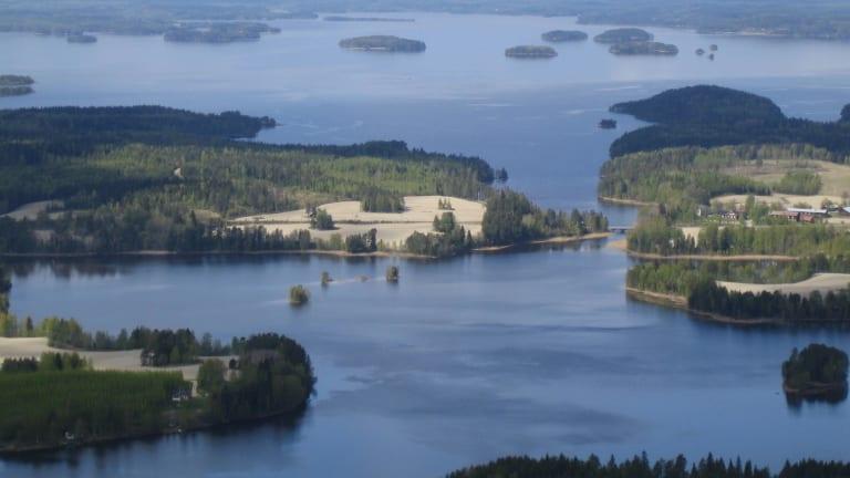 Eltel Suomella on laaja sopimus kaikkien isojen teleoperaattoreiden kanssa