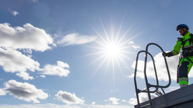 Fortum ja Vaasan Sähkö luottavat Eltelin Solar -ratkaisuihin