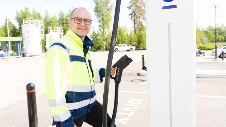 Projektipäällikkö, Sähköautojen latausasemat