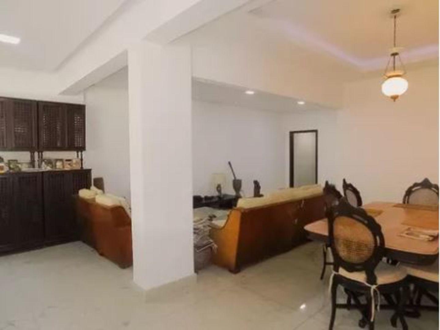 Imagem do Apartamento ID-737 na Avenida Rainha Elisabeth, Copacabana, Rio de Janeiro - RJ