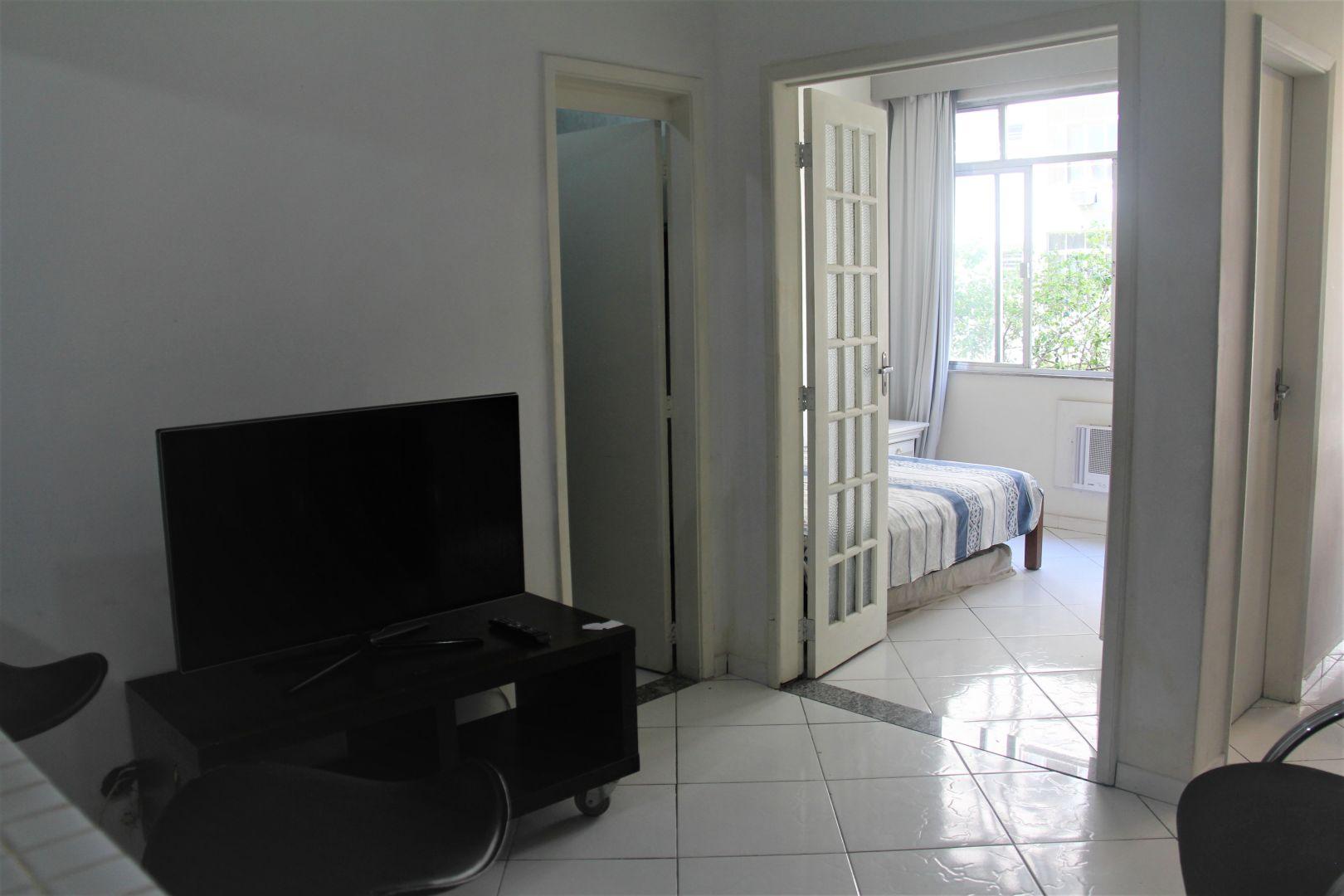 Imagem do Apartamento ID-2390 na Avenida Prado Júnior, Copacabana, Rio de Janeiro - RJ