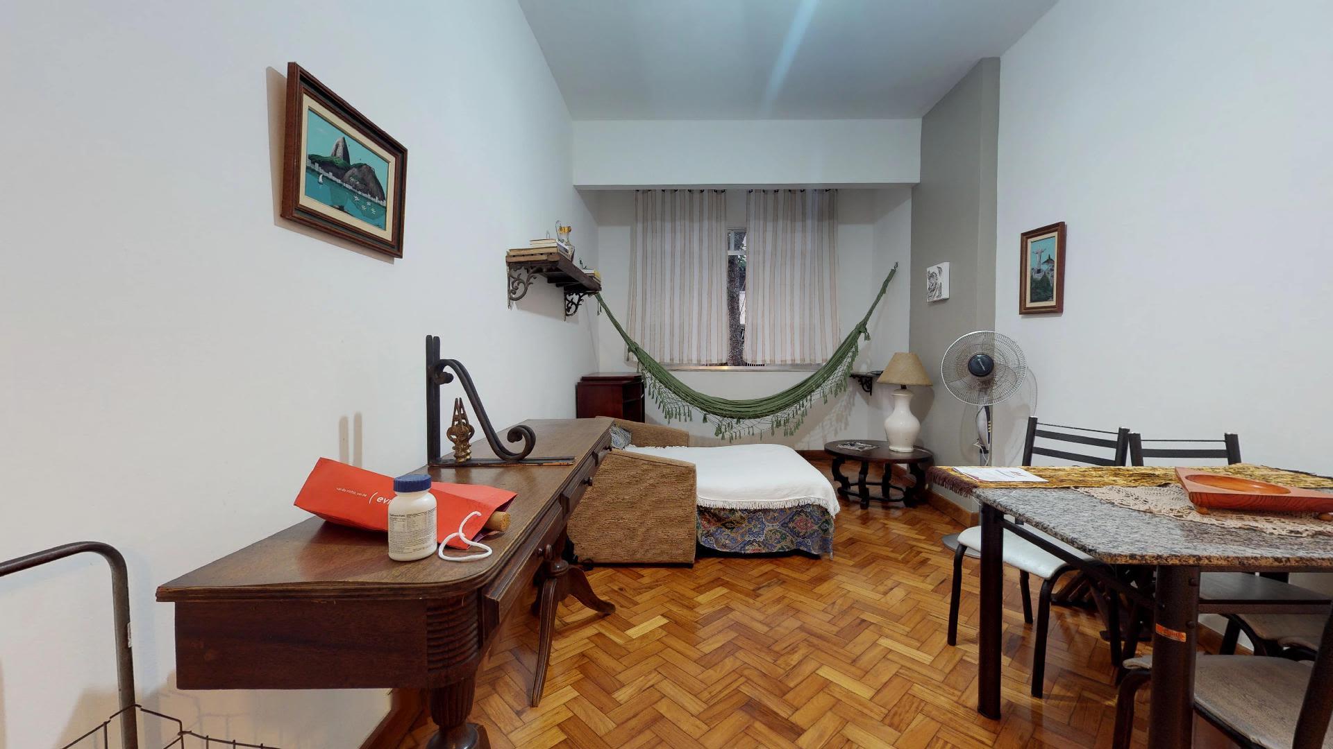 Imagem do Apartamento ID-884 na Rua Bulhões de Carvalho, Copacabana, Rio de Janeiro - RJ