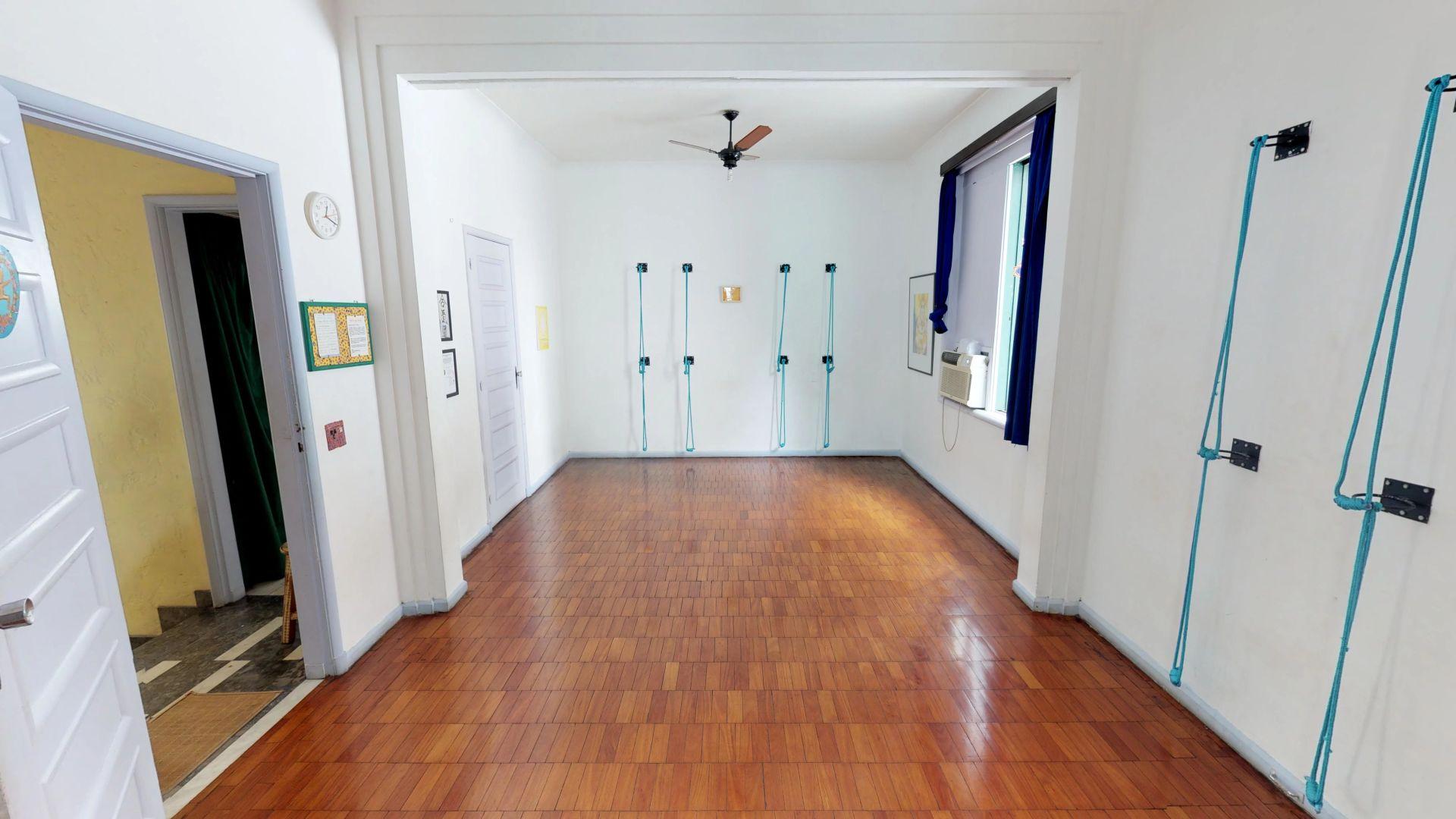 Imagem da Casa ID-210 na Rua Mario Portela, Laranjeiras, Rio de Janeiro - RJ