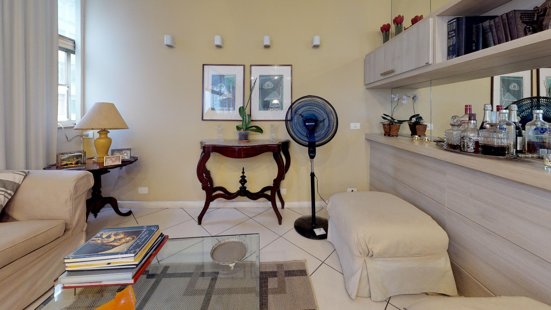 Imagem do Apartamento ID-2009 na Rua Tonelero, Copacabana, Rio de Janeiro - RJ