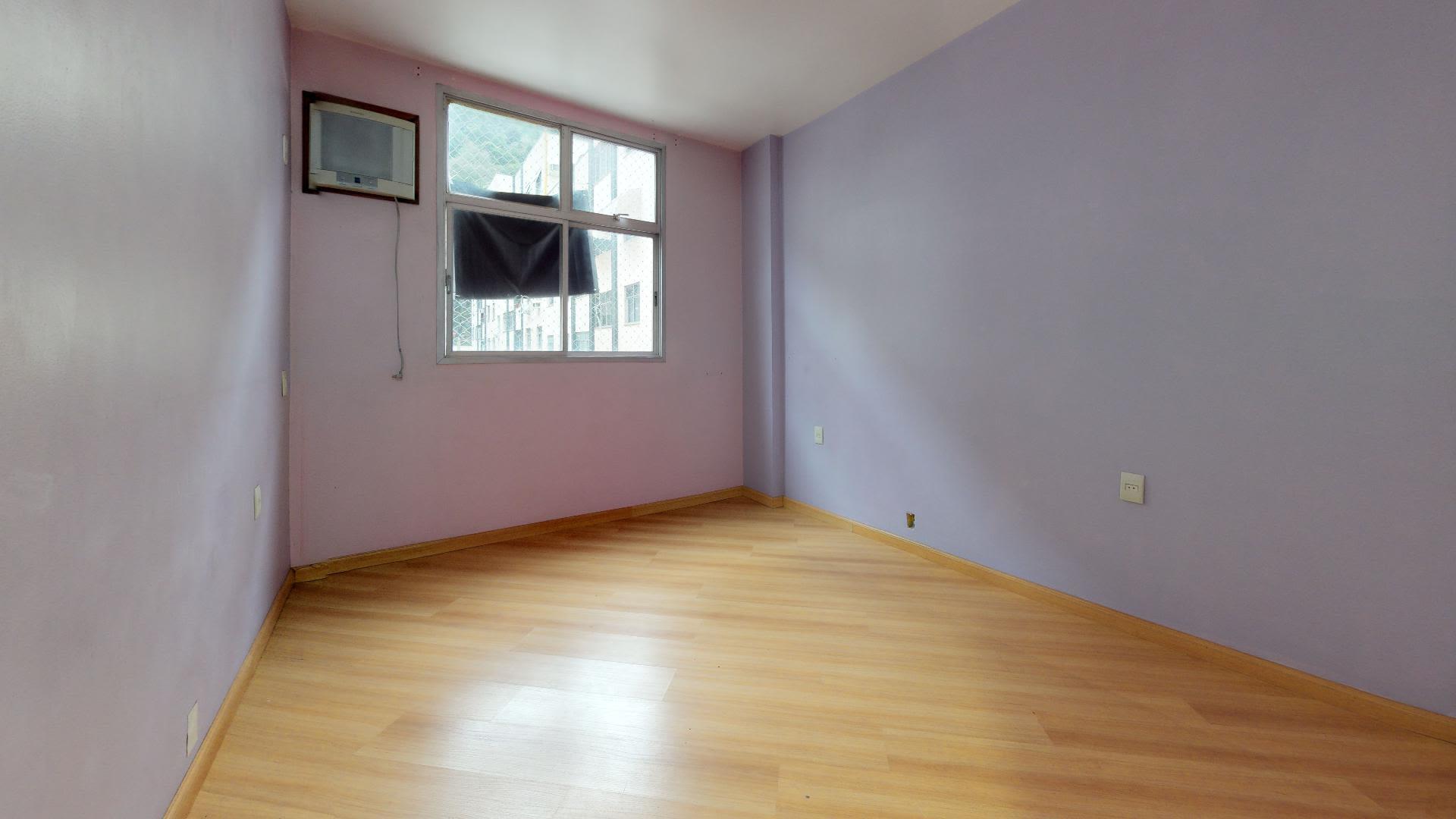 Imagem do Apartamento ID-7625 na Rua Pereira da Silva, Laranjeiras, Rio de Janeiro - RJ